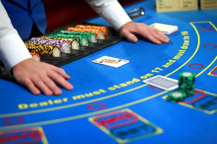 блекџек маса во казино