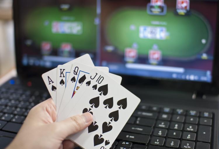 Онлајн покер